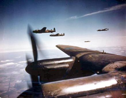 Avro_Lancasters_flying_in_loose_formation
