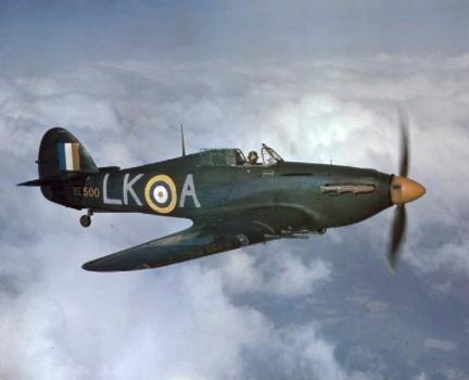 Hurricane_IIC_87_Sqn_RAF_in_flight_1942-1
